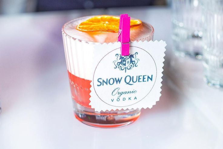 Pink grapefruit, lime & Maraschino Martini. •35ml Snow Queen Vodka. •30ml Fresh squeezed pink grapefruit juice •5ml lime juice •4tsp Maraschino Liqueur. Garnish with fresh or dried grapefruit slice.  Option add eggwhite foam