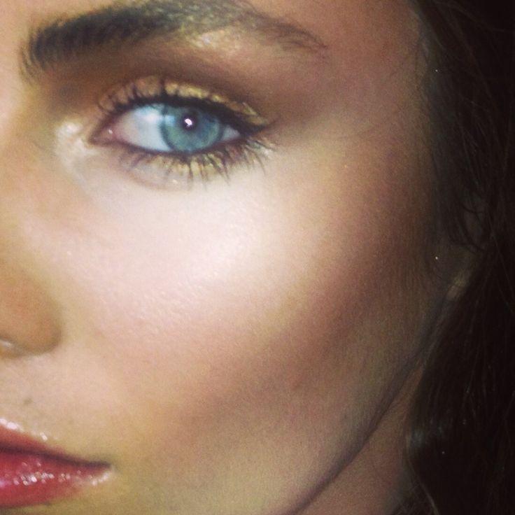MAC makeup by Simone Thurlow Makeup