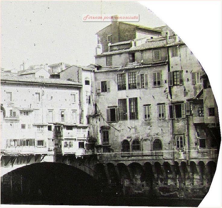 Ponte Vecchio e case scomparse con le mine tedesche.ripresa da una lastra della Lanterna Magica del 1890/1900.