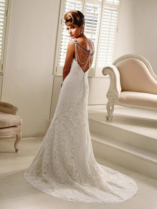 MASSIVE SAMPLE SALE AT BRYANSFORD BRIDAL WITH ALL WEDDING GOWNS £500
