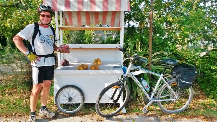 Yummy food and fruit stalls. Roger with The Gates Accommodation cycles on the Great Taste Trail