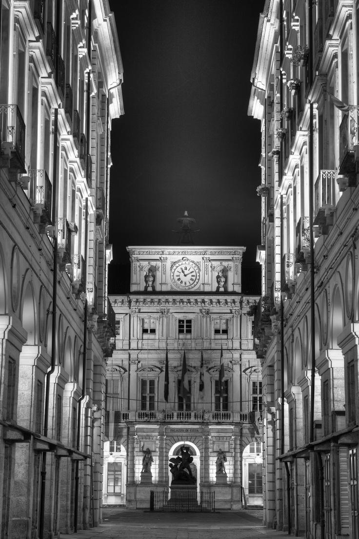 Palazzo di Citta, Torino ❤️Studió Parrucchieri Lory (Join us on our Facebook Page)  Via Cinzano 10, Torino, Italy.