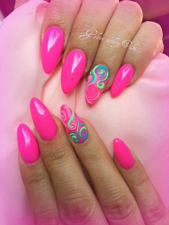 definitiv sommer rosa nägel für ihren urlaub. großartig mit einem cocktail – Nägel