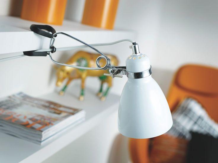 Valkoinen lukuvalo opiskelijalle. - White reading lamp for student.