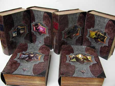 Magic: The Gathering Papercraft Deck Box