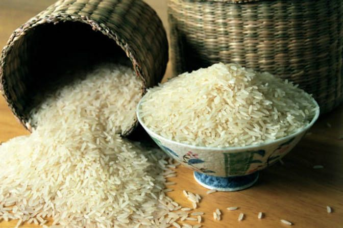 Many cultures want smooth, younger skin, and the Chinese are no different. Chinese women use a rice face wash to combat aging skin. Rice works well because of its antioxidants. Soak Chinese rice in water for 20 minutes, strain, wet a cloth with the remaining water, and apply to your face once a week for 10 minutes.
