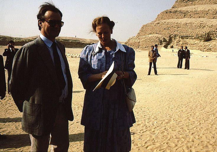 Otra imagen de la reina y el príncipe Enrique de su viaje a Egipto.