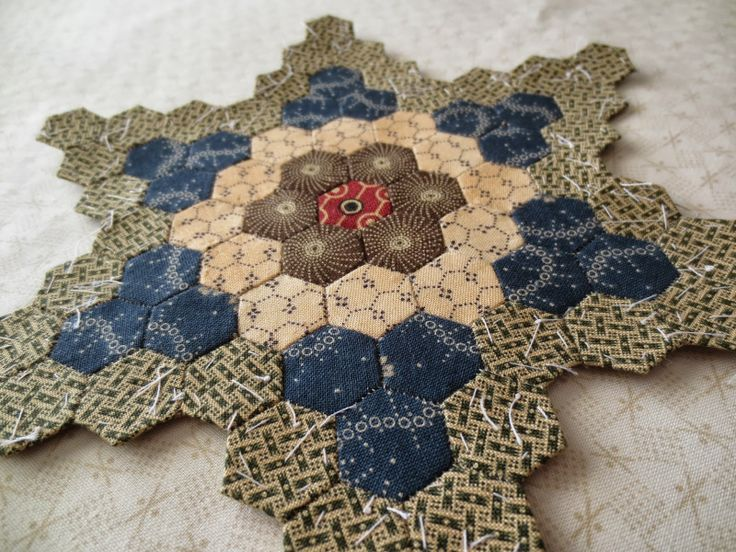Kindred Quilts: 4th Hexie Star - Completed! Hexie motifs can be appliqued to fabric backgrounds for variation