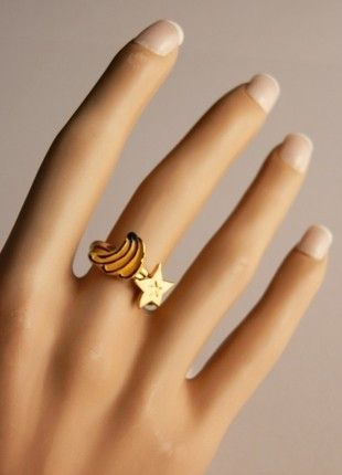 Compra mi artículo en #vinted http://www.vinted.es/accesorios/anillos/195968-black-week-doble-anillo-bimba-y-lola-estrella-y-platano-dorado