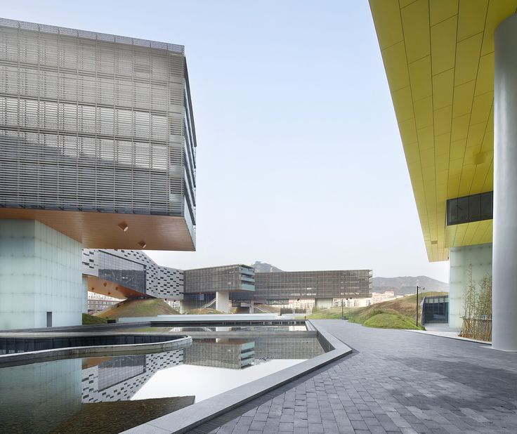Hufton + Crow   Projects   Vanke Center