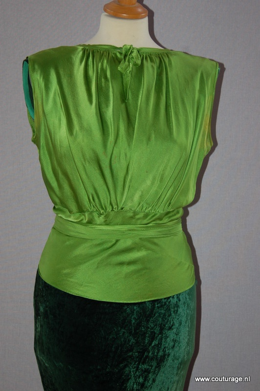 Avond top van groene zijde. (1930E014)