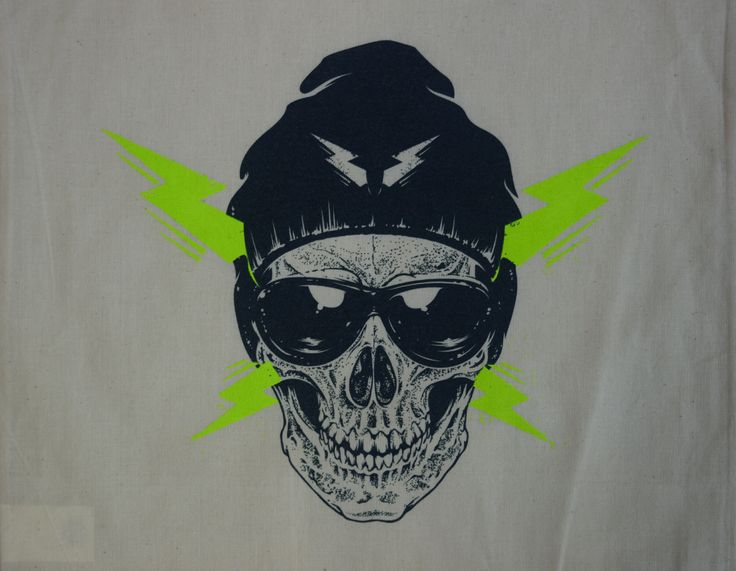 #Screenprinting cotton bags. @mrcompanies #silkscreen #printing #canvasbags http://bit.ly/1LPZppD