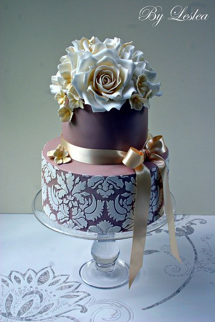 Elegant cake with roses and damask stencilling - by Leslea Matsis Cakes
