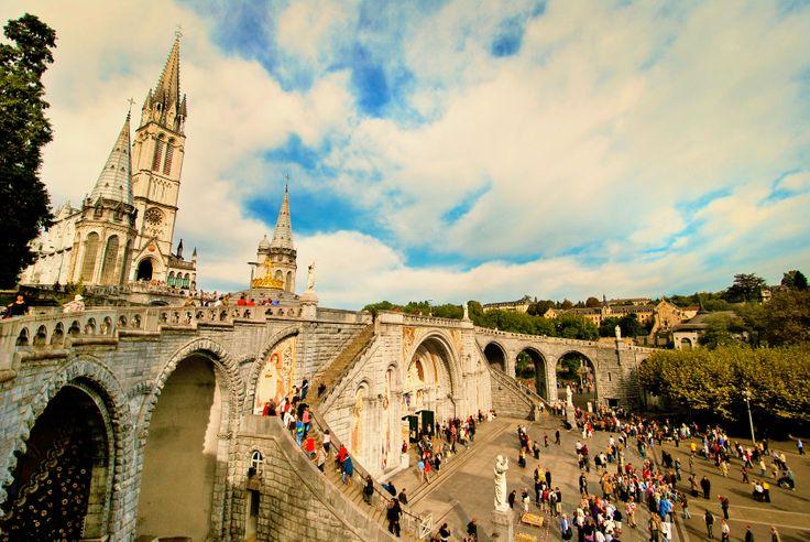 3-Sterne #Hotel Best Western Christina in #Lourdes : 50% sparen - Doppelzimmer inkl. Frühstück nur 52,00€ statt 104,00€!