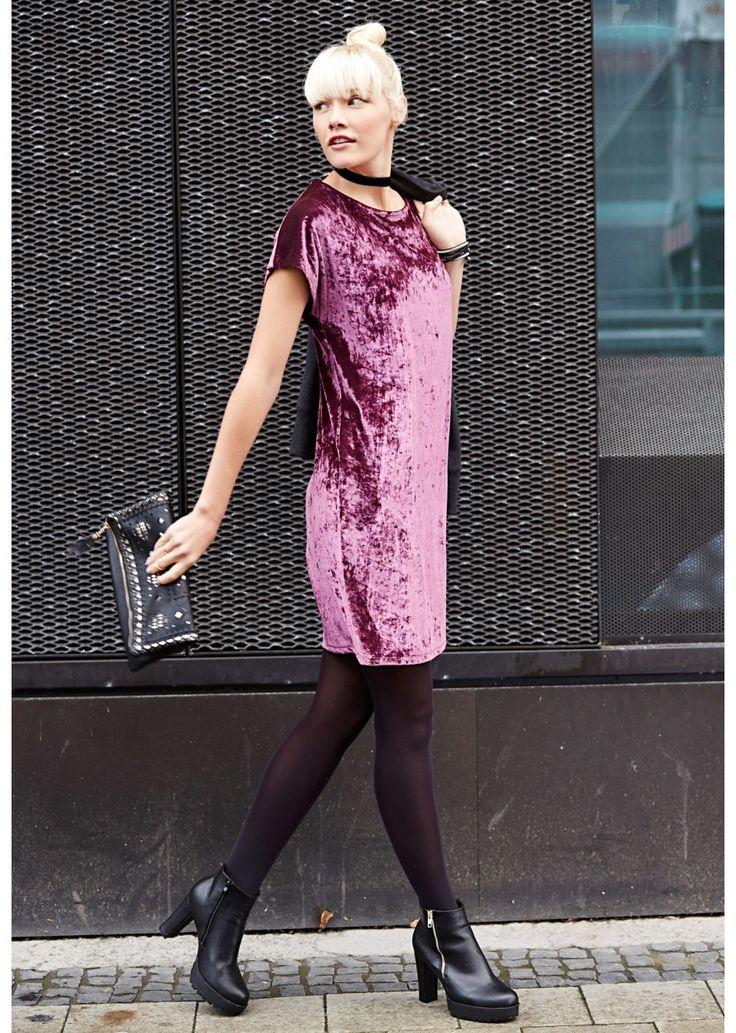 Sukienka aksamitna Atrakcyjna sukienka • 109.99 zł • bonprix