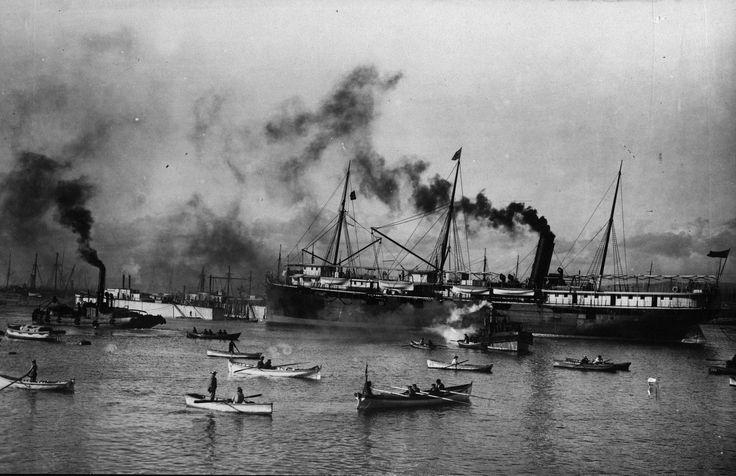 https://flic.kr/p/g8Syr7 | 1900s. Valparaíso Antiguo. | Buques en la bahía de Valparaíso a principios del siglo XX.