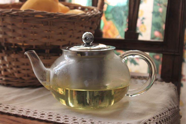 ✿ Elegante bule em vidro, destaca-se por exibir um infusor e tampa em inox. Inspired by Lemon