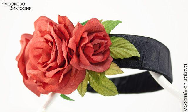 Широкий черный обруч для волос с красными розами ручной работы из ткани. Ободок на голову. Украшение для волос, ручная работа. #vichurakova Виктория Чуракова. Красные розы, роза, цветы из ткани, Киев, Украина, купить. Hair band, red, roses, handmade, flower, fabric flowers