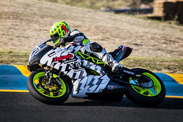 Electric motorcycle racing is no longer divided