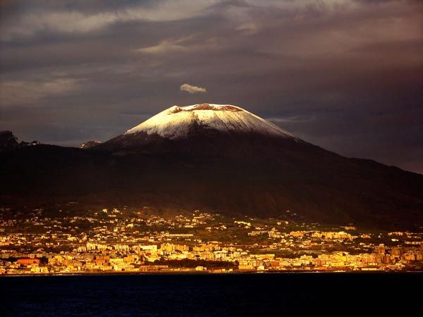 Vesuvius Light    The giant sleeps. Don't rouse him. Herculaneum slumbers in the light of the late afternoon.  By Tom Watchel