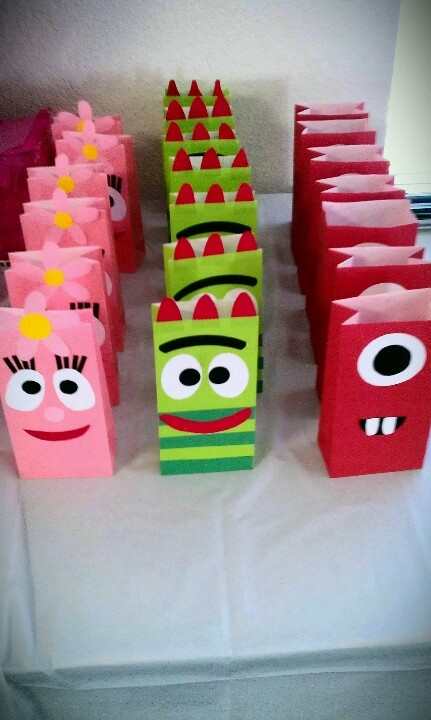 To gabba gabba party bags