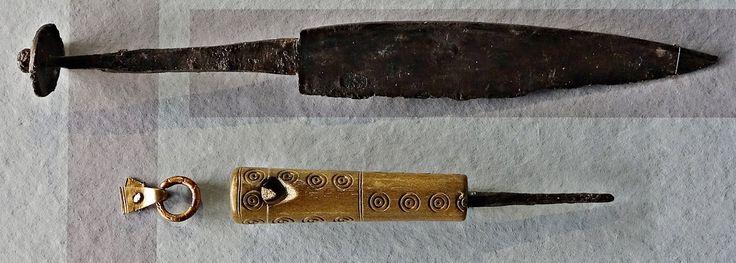 Illerup Ådal... Knife and firesteel .Moesgård Museum... Matt Bunker - Wulfheodenas