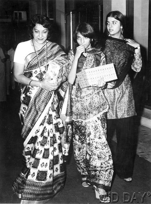 Nargis with daughters Priya Dutt and Namrata Dutt