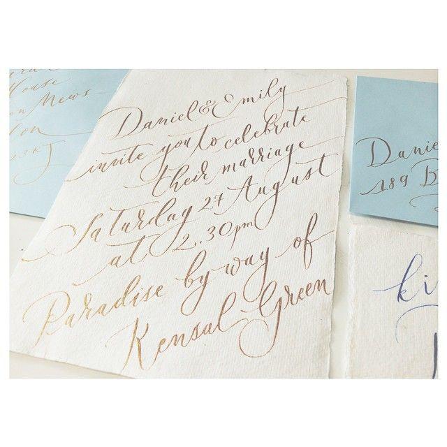 Hues of blues & gold  #london #wedding #moderncalligraphy #lamplighterlondon #gold #pointedpen #inthestudio #thisweek