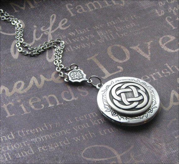 Zilveren medaillon HALSKETTING Enchanted Keltische knoop