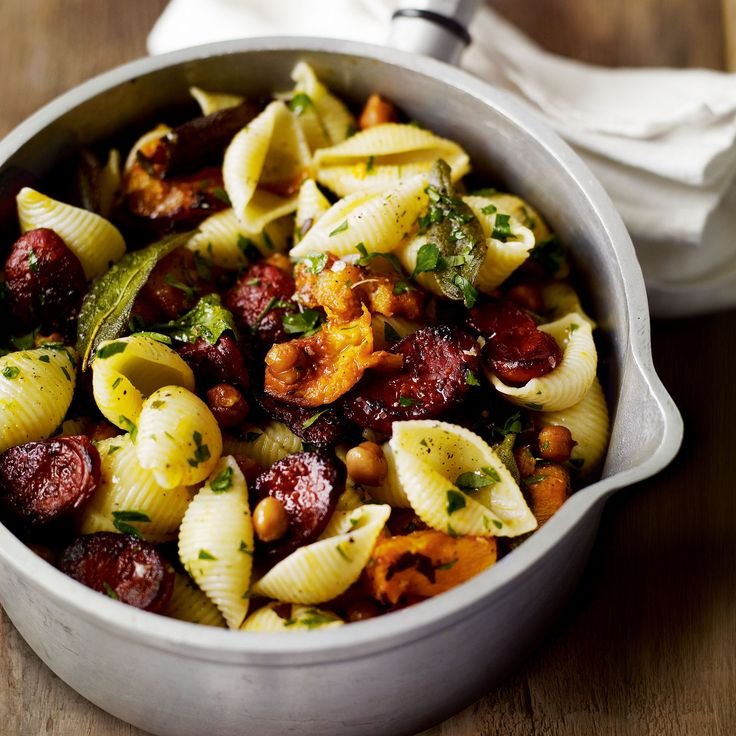 This quick and easy recipe is a Spanish take on the traditional Italian pasta with pulses