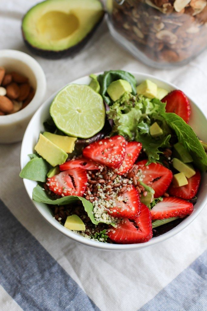 Strawberry Salad with Red Rice, Avocado & Hemp Seeds (Vegan + Gluten-free) apolloandluna.com