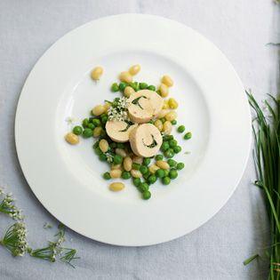 Rezept aus Fabelhaft Französisch: Hähnchenbrustrouladen mit frischen Kräutern der Saison