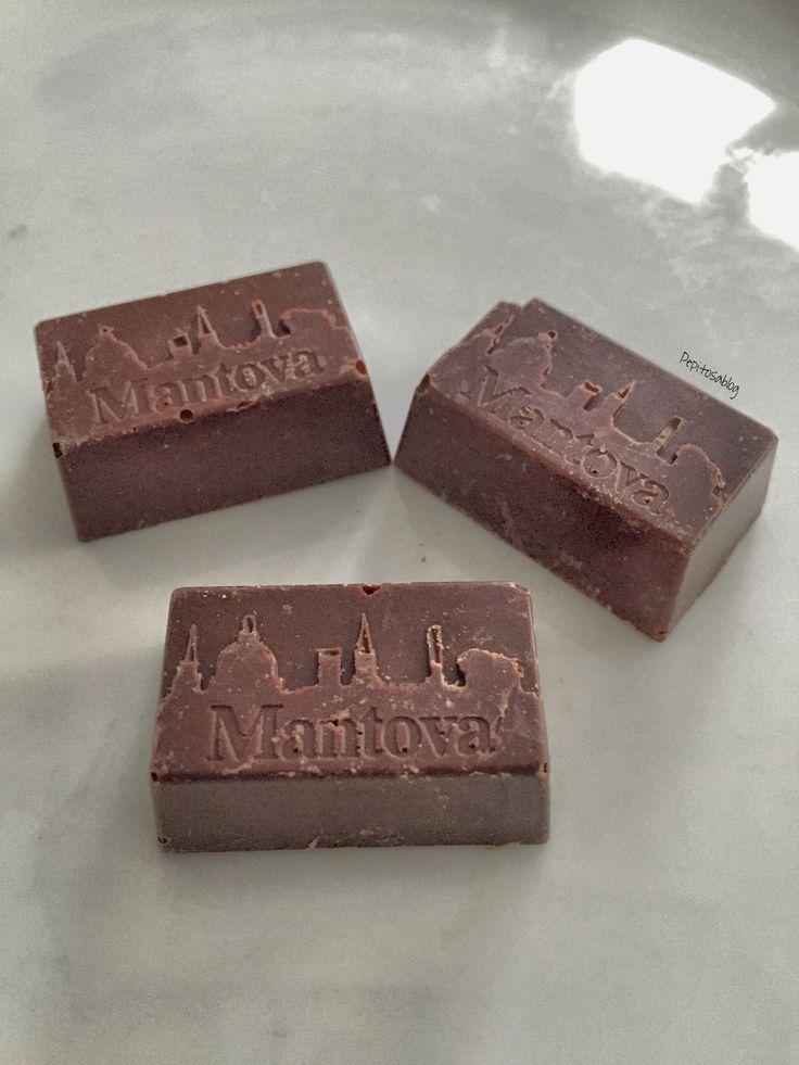 Situazione sentimentale: mangio troppa cioccolata  Questi cioccolatini sono un capolavoro Made in #Mantova {Pasticceria 'La deliziosa} ❤️ #chocolate #food #pepitosablog