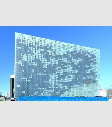 Greenpix, una facciata 'parlante' a celle fotovoltaiche