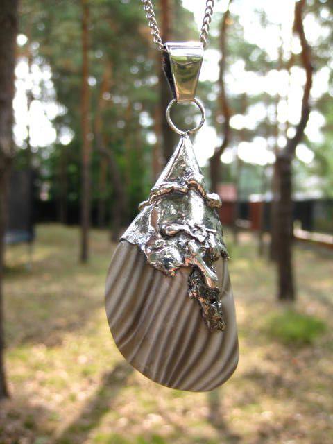 srebrny-wisior-artystyczny-z-krzemieniem-pasiastym.jpg (480×640)