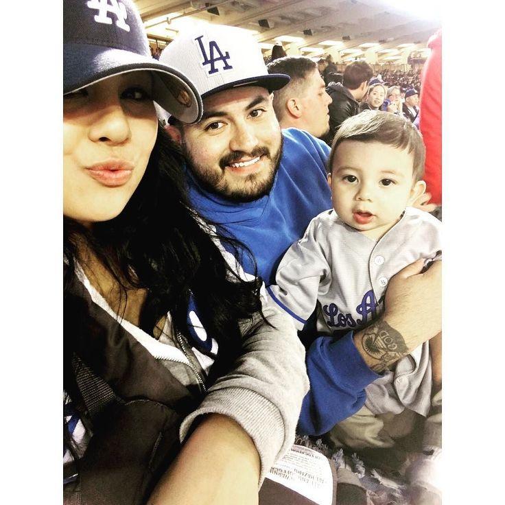 THINK BLUE: 3/31/16. @dodgers Vs. Angels  #itfdb #bleedblue #dodgers #Family #Blessed  @aurianalopez_ by jaymrtz_