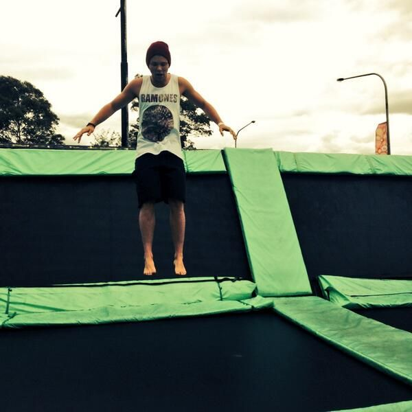 By ChorofilaAshton Girls, Second, Ashton Melted, Ashton Irwin Dirty, Ashtonirwin, Summer, 5Sos, Ashton Trampolines, Ashton Irwin33