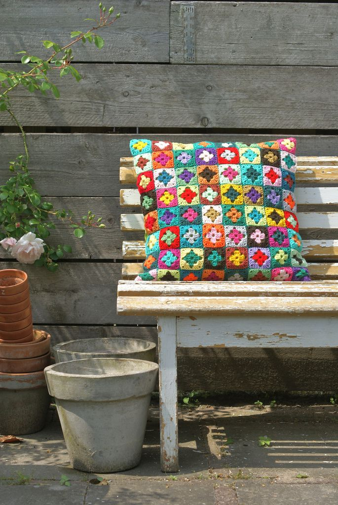 garden crochet pillow inspiration