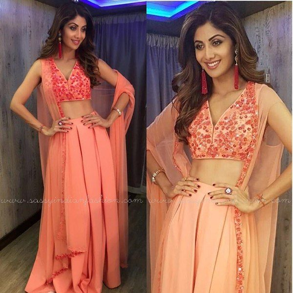Shilpa Shetty in Ridhi Mehra Outfit, Shilpa Shetty Outfits for Super Dancer Show, Shilpa Shetty Dresses for Super Dancer Show