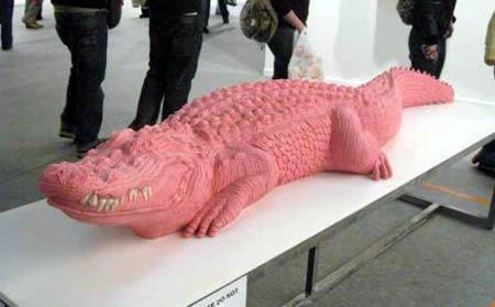12 Amazing Chewing Gum Sculptures