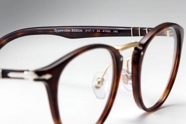 Persol rend leurs lunettes aux écrivains