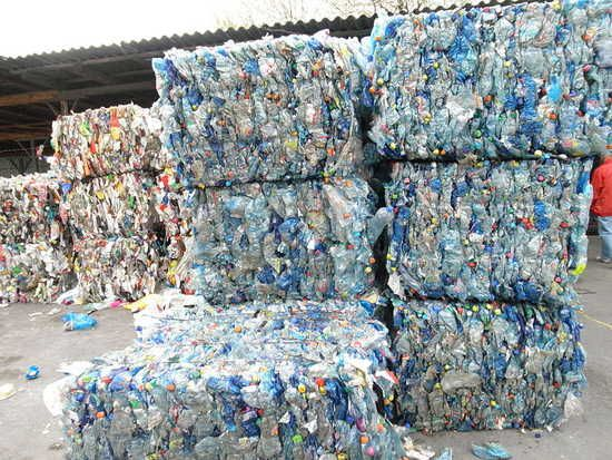 Daily Kos: Think your plastic is being recycled? Think again. Time for the US to step up and create a local solution!!