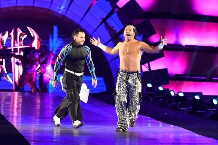 Matt and Jeff Hardy Retain WWE Raw Tag Team Title over Gallows and Anderson | Bl