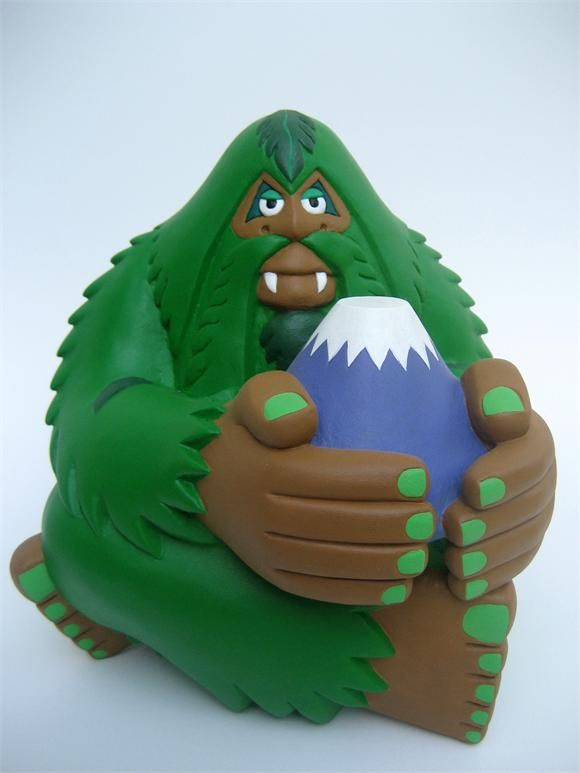 Mossy Orangutan Fujisan by Bigfoot for Designer Toy Awards 2012