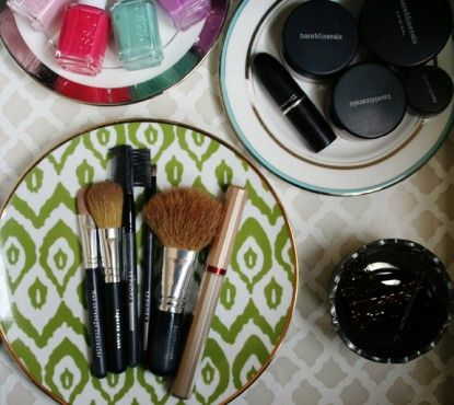 8 ways to organize your beauty products.