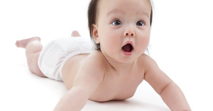 On recommande de coucher lesbébés sur le dos afin de réduire les risques de syndrome de la mort subite du nouveau-né. Ça ne veut pas dire de ne jamais placer bébé sur le ventre!