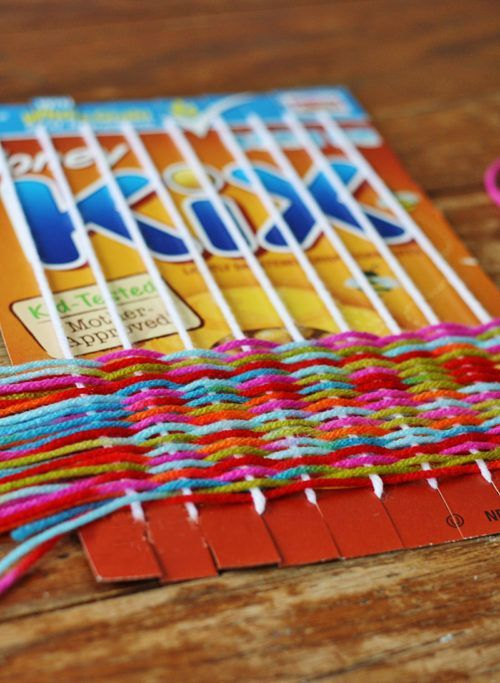 Create a Yarn Loom from a recycled cereal box! #cerealbox #upcycledcrafts #craft...