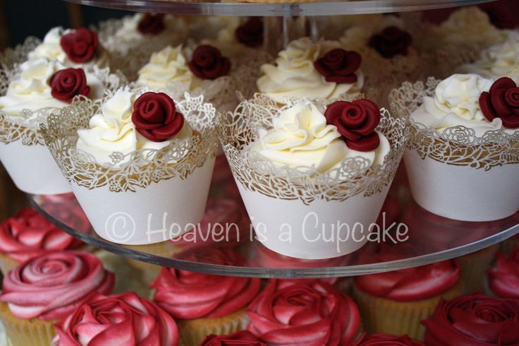 wedding cupcake burgandy   Wedding Cupcakes Gallery