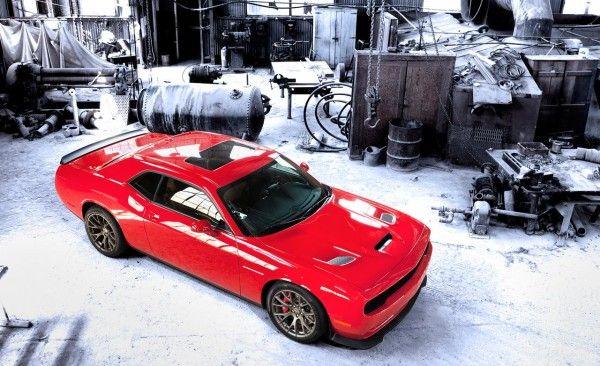 2015 Dodge Challenger SRT pictures