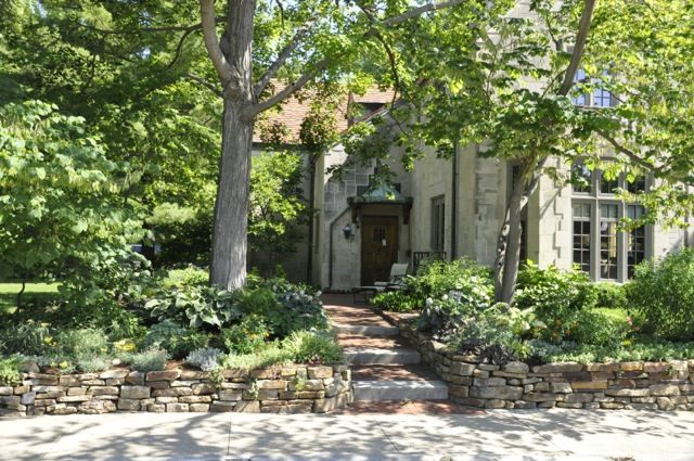 81 best ideas about curbside landscape border on pinterest for Curbside garden designs